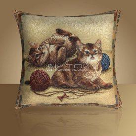 Декоративная наволочка, чехол из гобелена Веселые котята