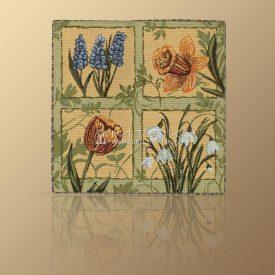 Салфетка из гобелена Первоцветы