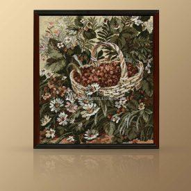 """Картина из гобелена """"Лесная ягода"""""""