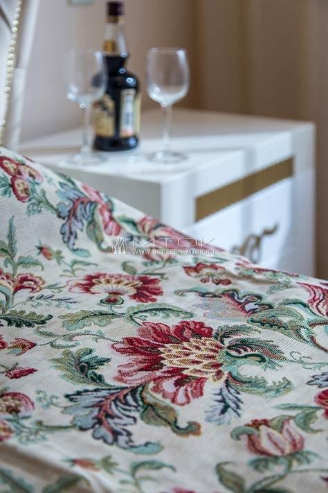 Жаккардовая ткань в дизайне спальни в стиле прованс
