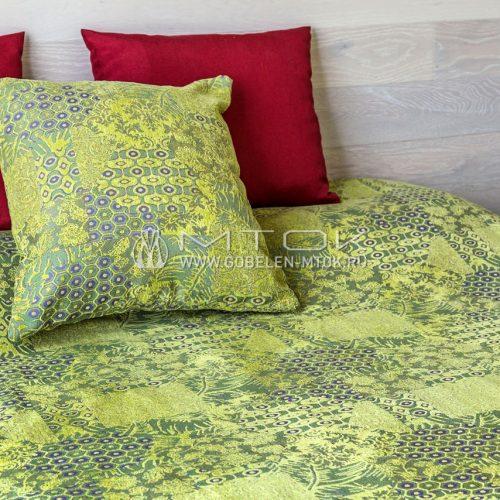 Чехол на подушку из ткани с шениллом