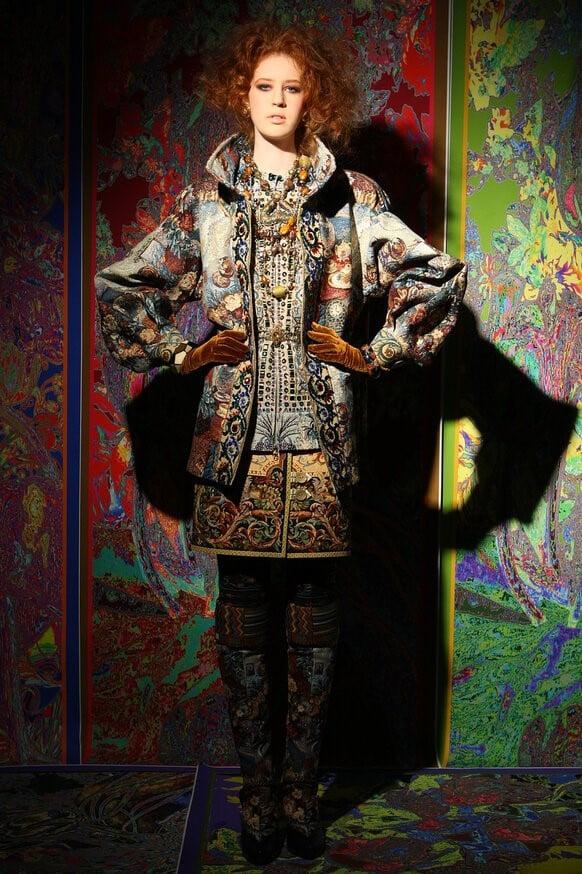 Роскошный жаккардовый жакет в стиле бохо из коллекции Вячеслава Зайцева
