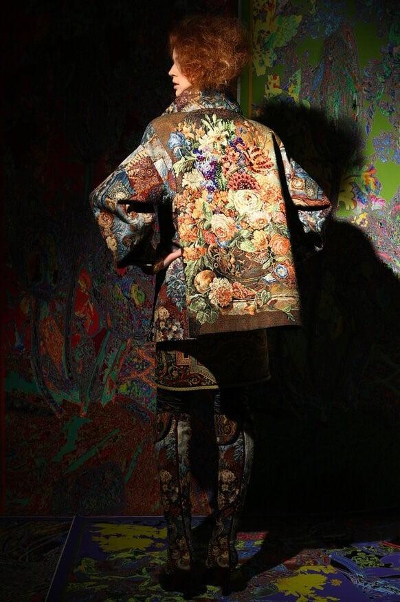 Гобеленовый жакет с уникальным дизайном из коллекции Вячеслава Зайцева
