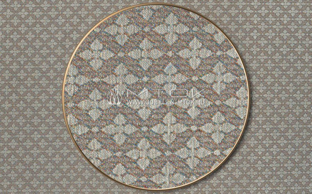 На фото: Жаккардовая ткань шенилл «Трефы»
