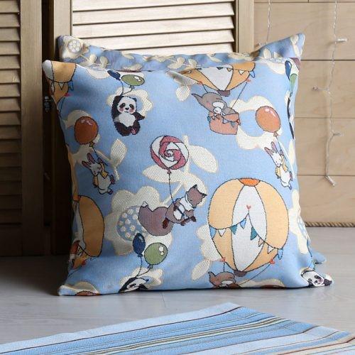 Чехол на подушку из гобелена «Воздушное путешествие»